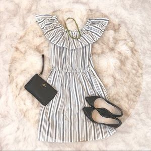 H&M BLACK AND WHITE STRIPED RUFFLED COLLAR DRESS